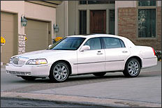 White Lincoln Town Car Executive Sedan